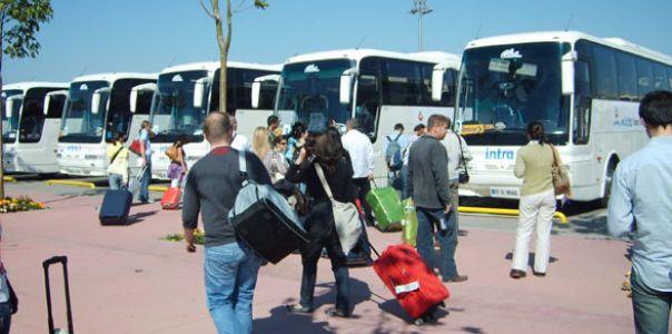 2012'de seyahat sayısı düştü, harcama arttı