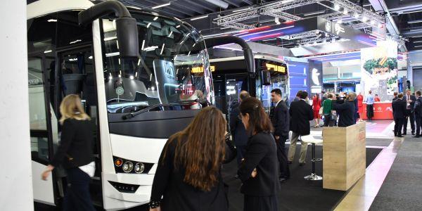 Anadolu Isuzu iki otobüsü tanıttı