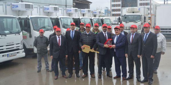 Anadolu Isuzu'dan Hakmar Şirketler Grubu'na 20 Tora, 18 NPR Kamyon