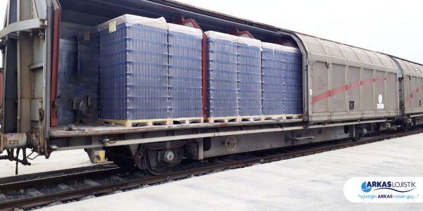 Arkas Lojistik cam şişeyi demiryolu ile taşıyor