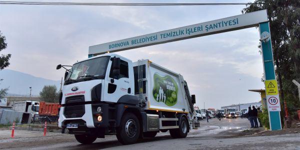 Bornova Belediyesi 36 Ford kamyon aldı