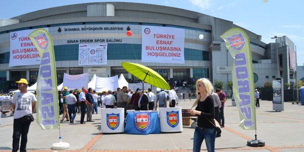Cumhurbaşkanı Erdoğan'dan servisçilere plaka müjdesi