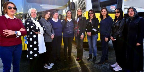 Dilek İmamoğlu'ndan kadın şoförlere destek