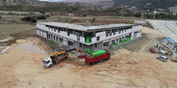 Elmalı Otobüs Terminali inşaatı sürüyor