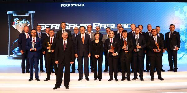Ford Otosan 10 tedarikçisini ödüllendirdi
