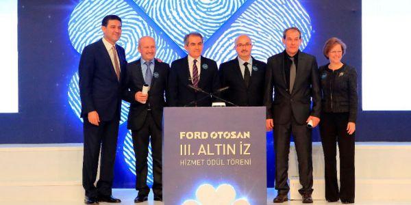 Ford Otosan Altın İz Hizmet Ödülleri verildi