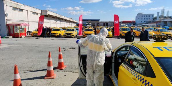 Havalimanı taksileri korona virüse karşı dezenfekte edildi