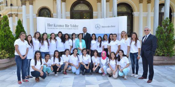 Her Kızımız Bir Yıldız Projesi'nin Yıldız'ları İstanbul'dah