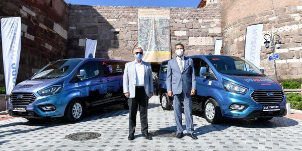Hibrit elektrikli Ford Custom PHEV'ler Ankara halkının hizmetinde…