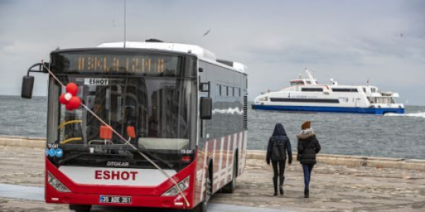İzmir'de 1200 otobüs hizmet vermeye devam ediyor