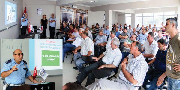 İZTAD şoförlerini eğitiyor