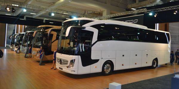 Mercedes-Benz Türk  27 kamyon, 10 otobüs sergiledi