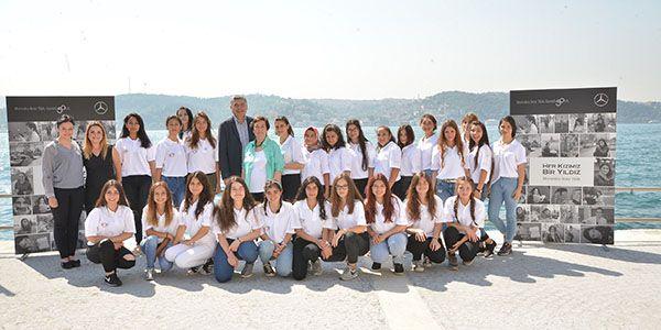 Mercedes-Benz Türk'ün Yıldız Kızları 4000 oldu
