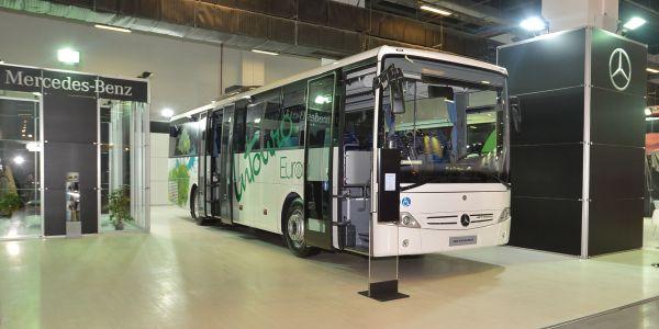 Mercedes Intouro ve Tourismo otobüslerini tanıttı