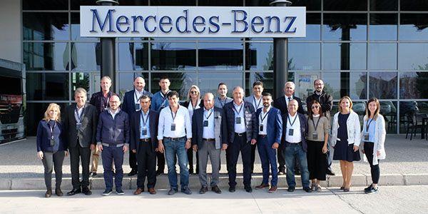 Mercedes kamyon müşterilerini Aksaray'da ağırladı