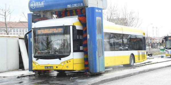 Otogarlar ve toplu ulaşım araçlarında önlemler sürüyor