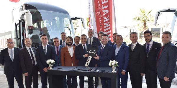 Pamukkale Turizm 20 Tourliner, 50 Lion's Coach aldı