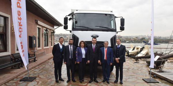 Referans Holding, 40 Ford Trucks aldı