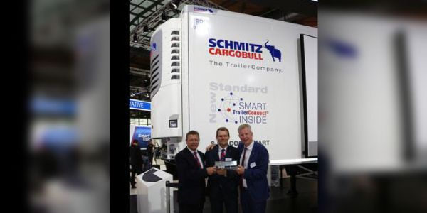 """Schmitz Cargobull, """"Akıllı Treyler"""" ödülü aldı"""