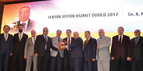 Sektör Üstün Hizmet Ödülü, Fatih Tamay'a