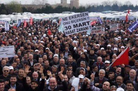 Servisçiler Plaka Tahdidi eylemi yaptı