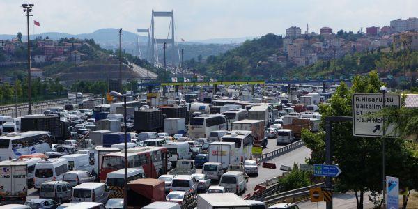 Otobüs yüzde 38, kamyon yüzde 19.5 arttı