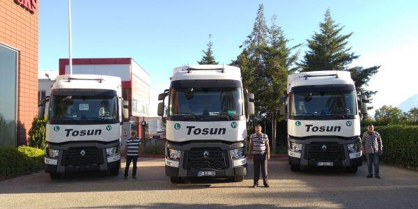 Tosun Ticaret 10 Renault Çekici aldı