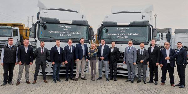 TruckStore 10 Actros çekici teslim etti