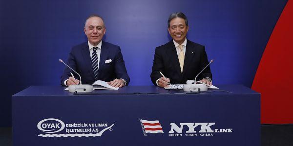 Türkiye'nin en büyük otomotiv limanı için imzalar atıldı