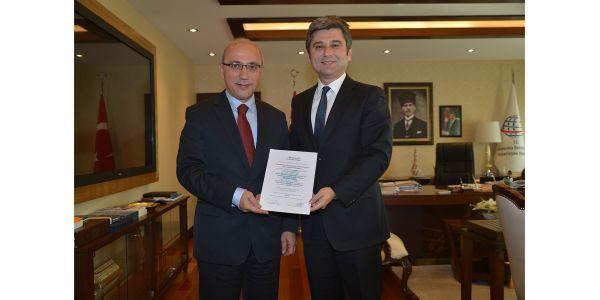 Ulaştırma Bakanı Elvan, UTİKAD'a teşekkür etti