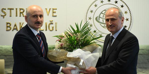 Ulaştırma Bakanlığı'nda devir teslim töreni yapıldı