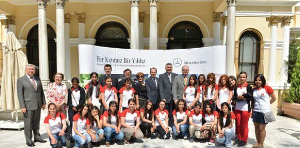 Yıldız Kızlar İstanbul'da
