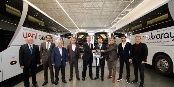 Yılın ilk otobüs teslimatı Yeni Aksaray Seyahat'e