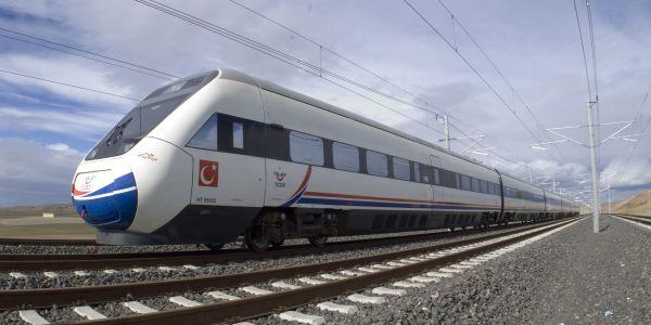 Yüksek Hızlı Tren İstanbul'a ulaştı